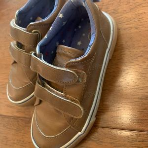 Brown pleather Velcro toddler shoes, size 8
